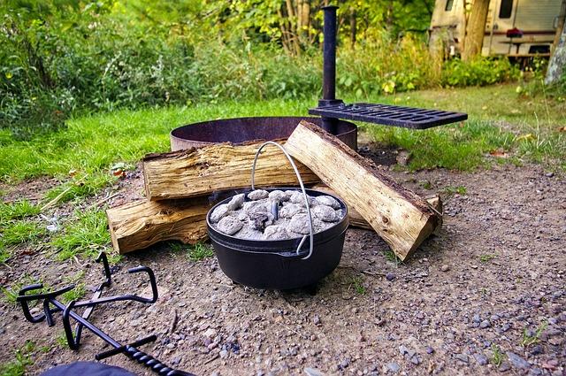 dutch oven campfire wood