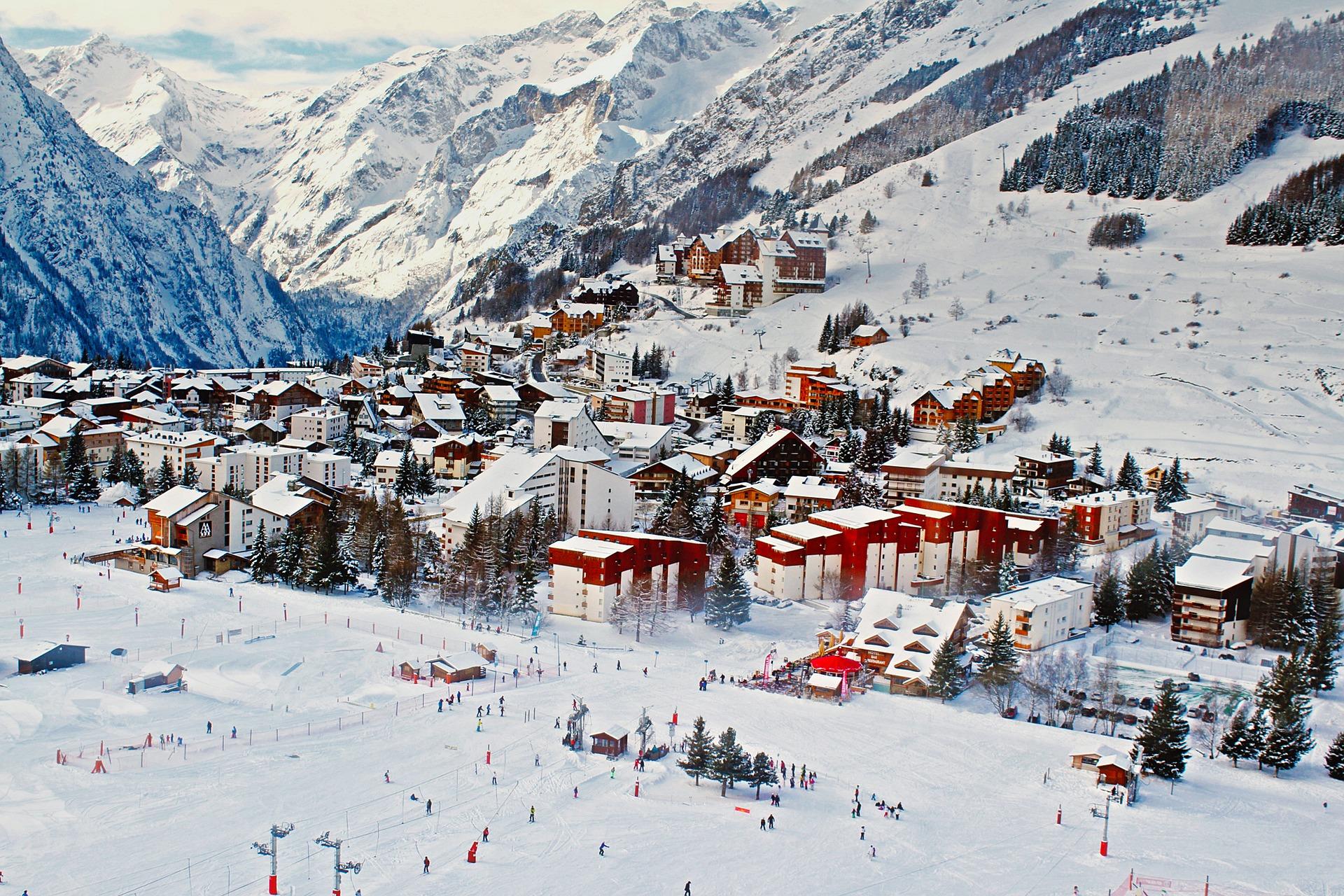 france skiing ski resort town pixabay