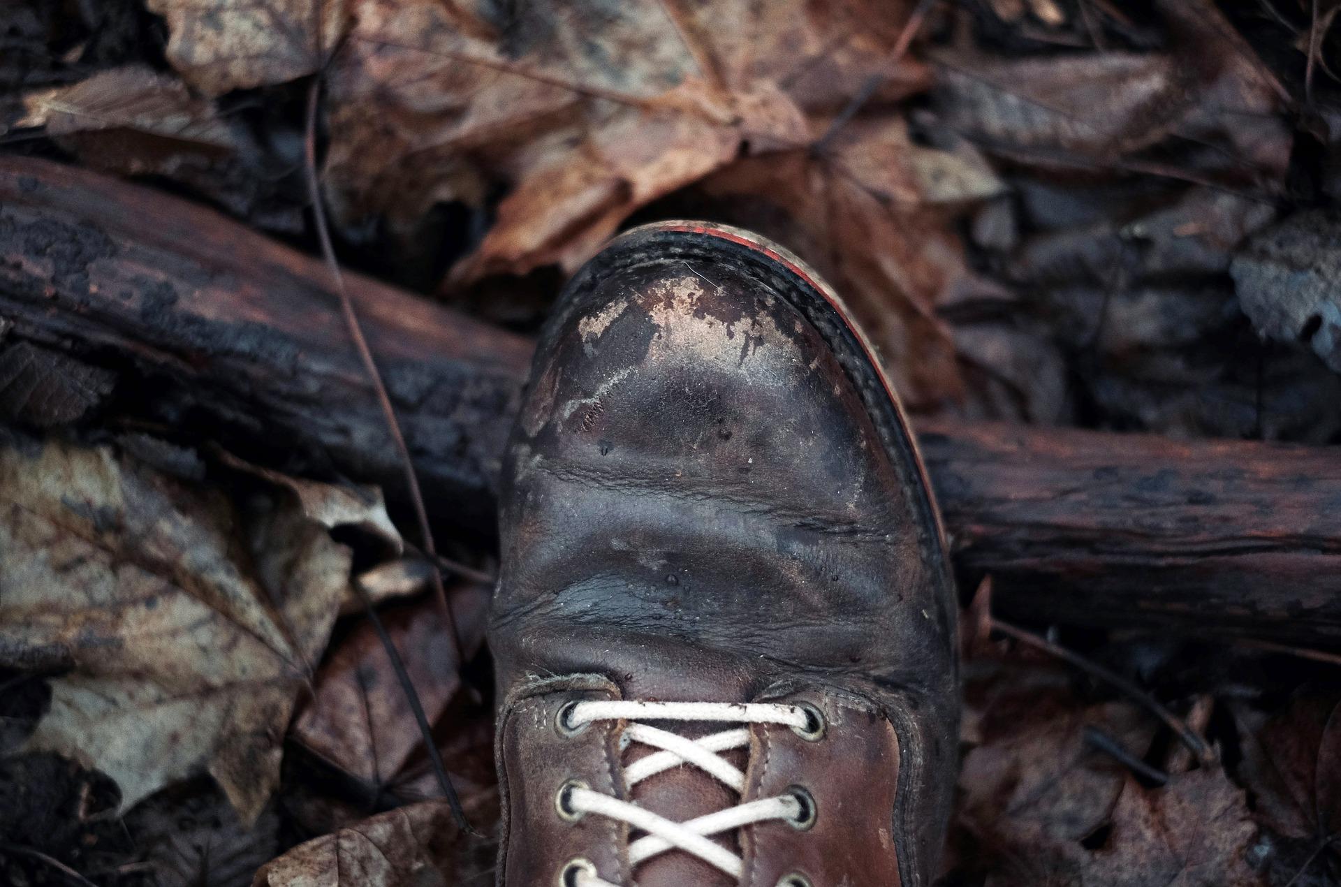 hiking boots pixabay