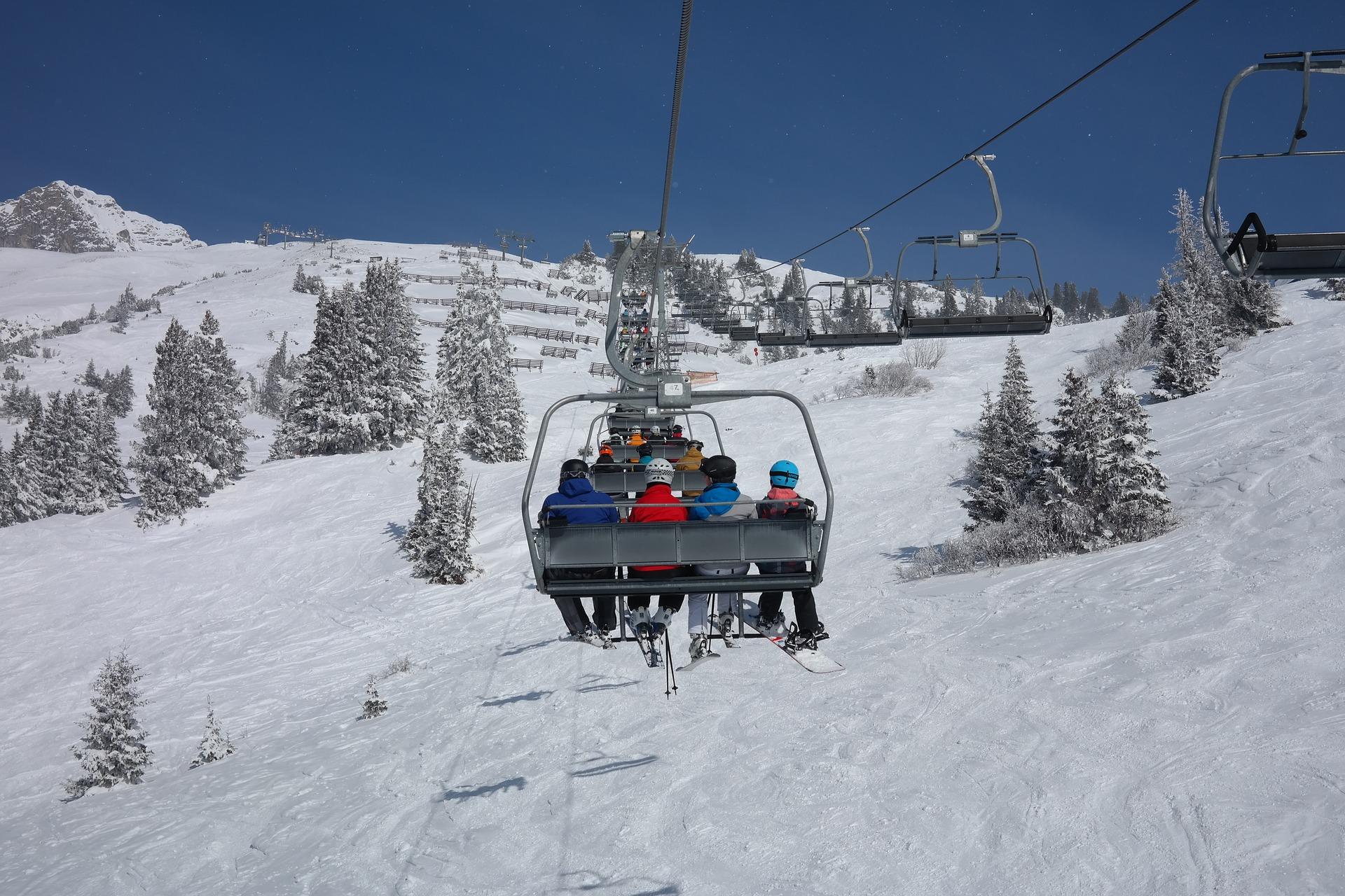 ski lift resort winter snow pixabay