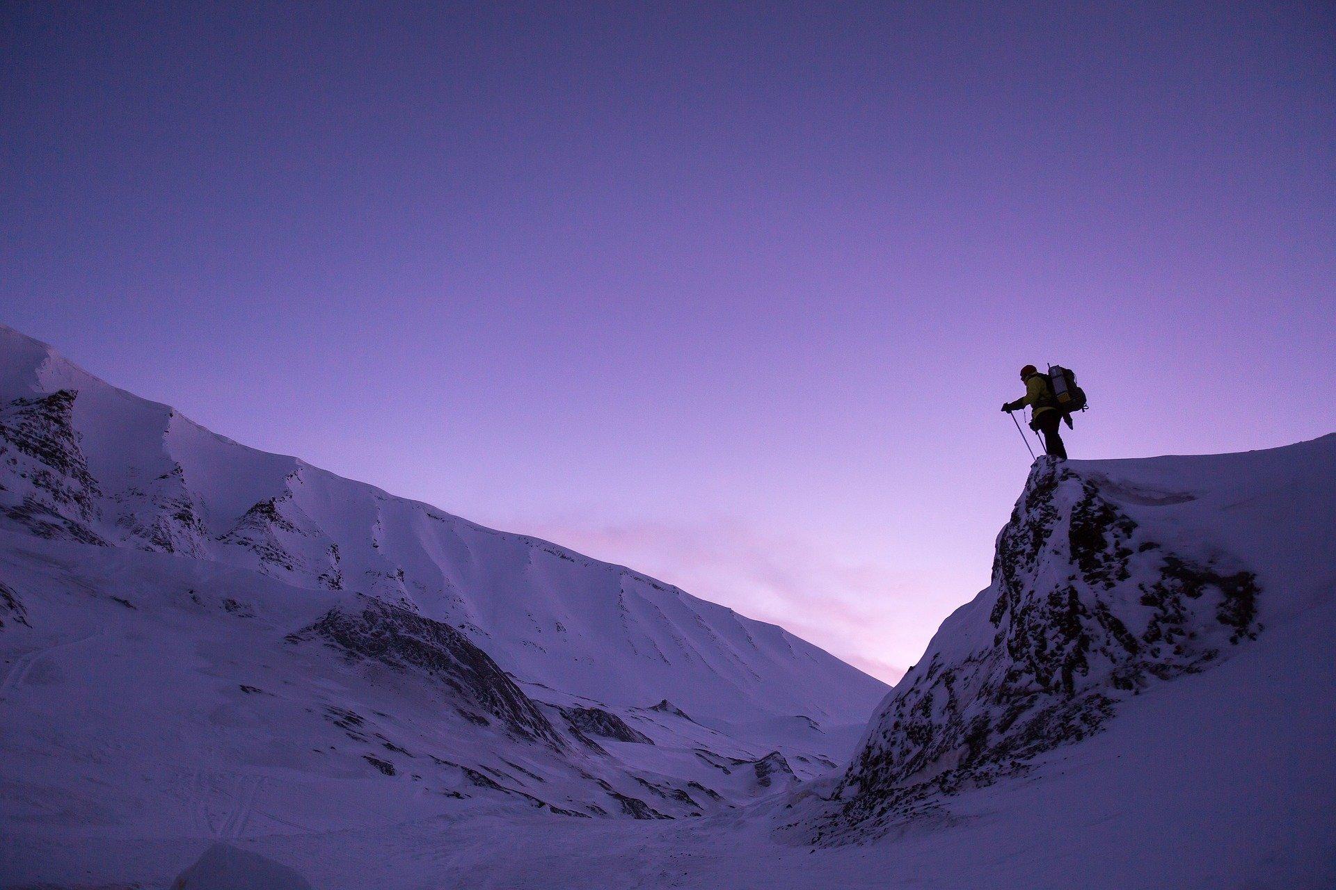 snow hike winter pixabay