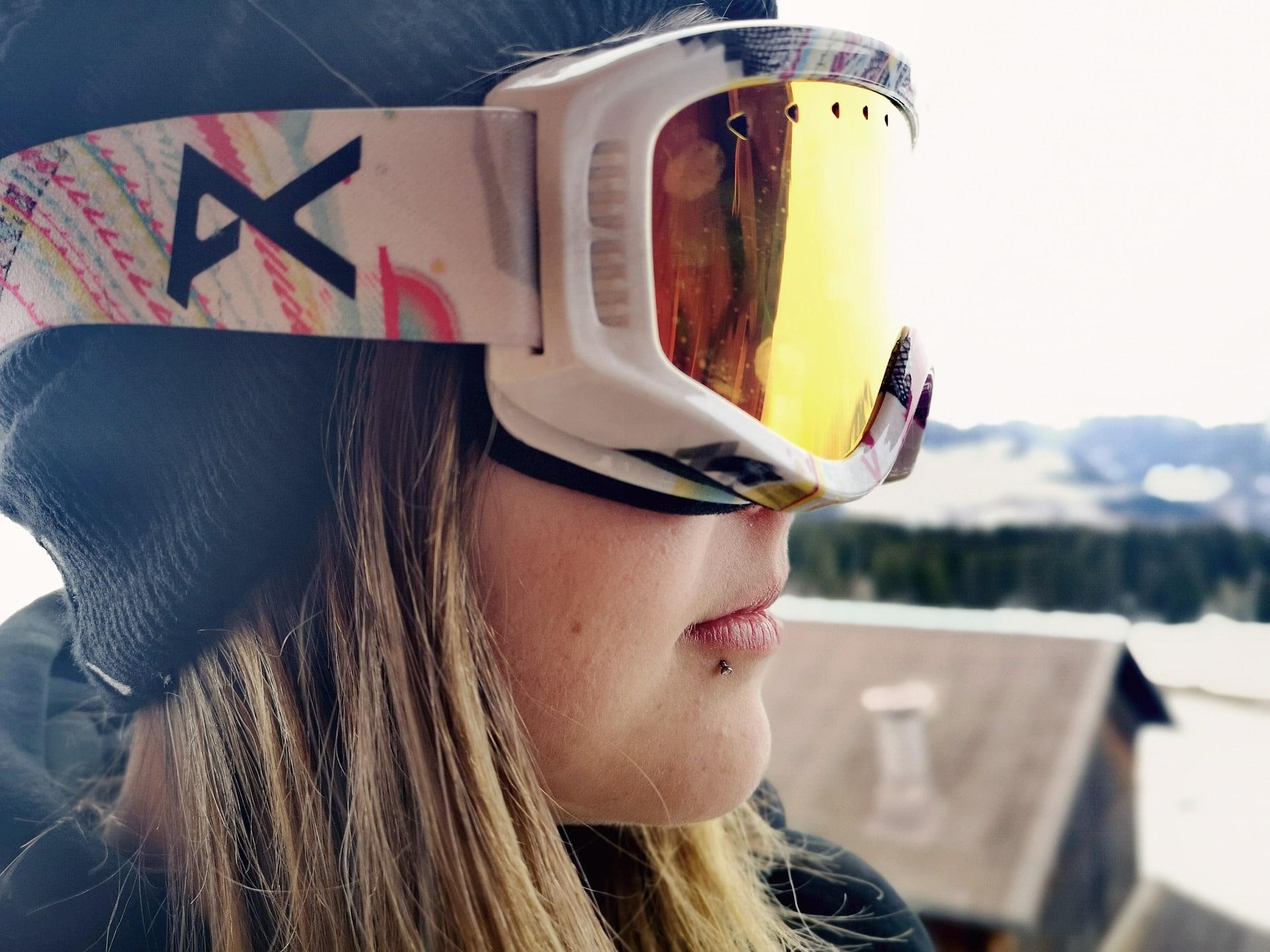 ski goggles gear pixabay