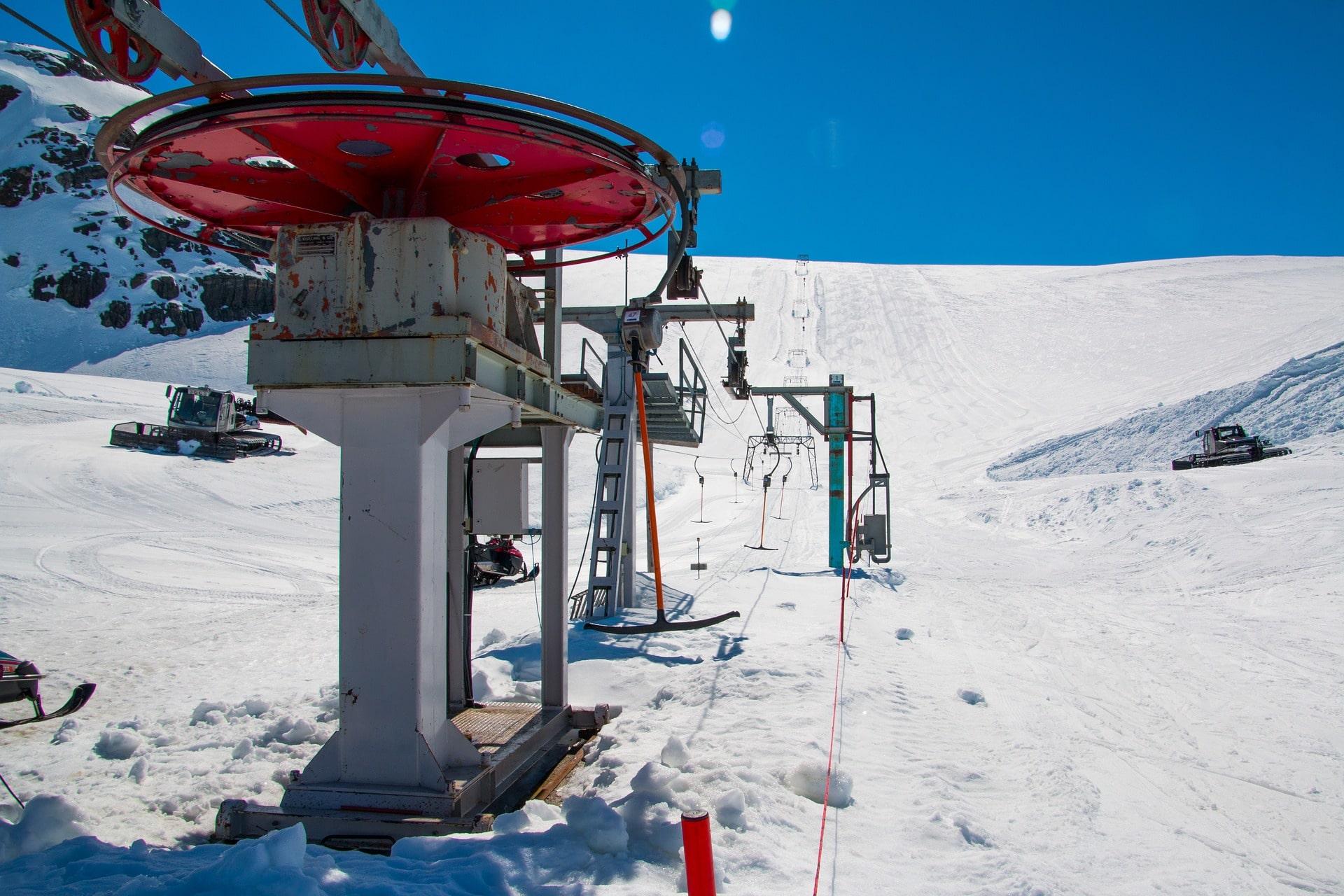 t bar lift ski snowboard pixabay