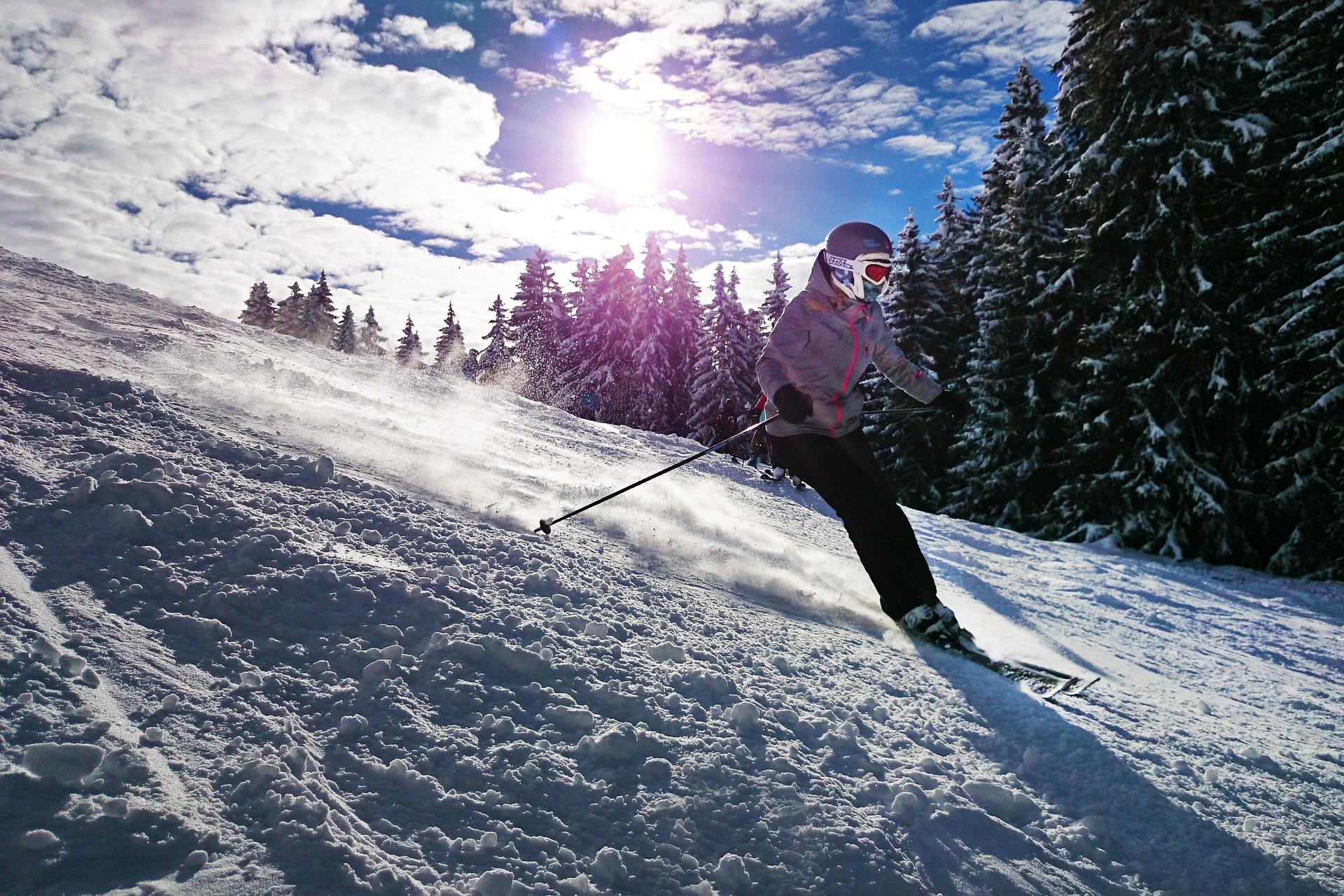 skiing snow pixabay skier