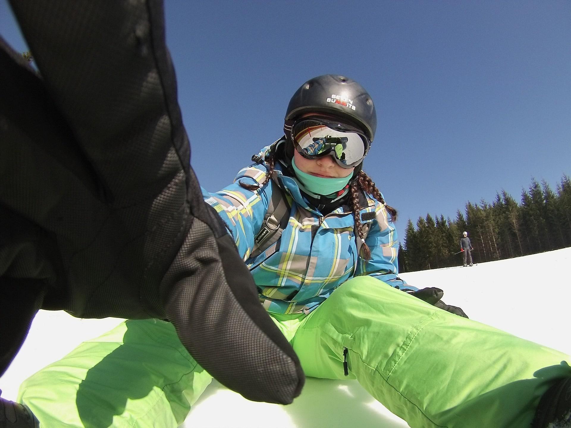 snow ski clothes snowboarding pixabay