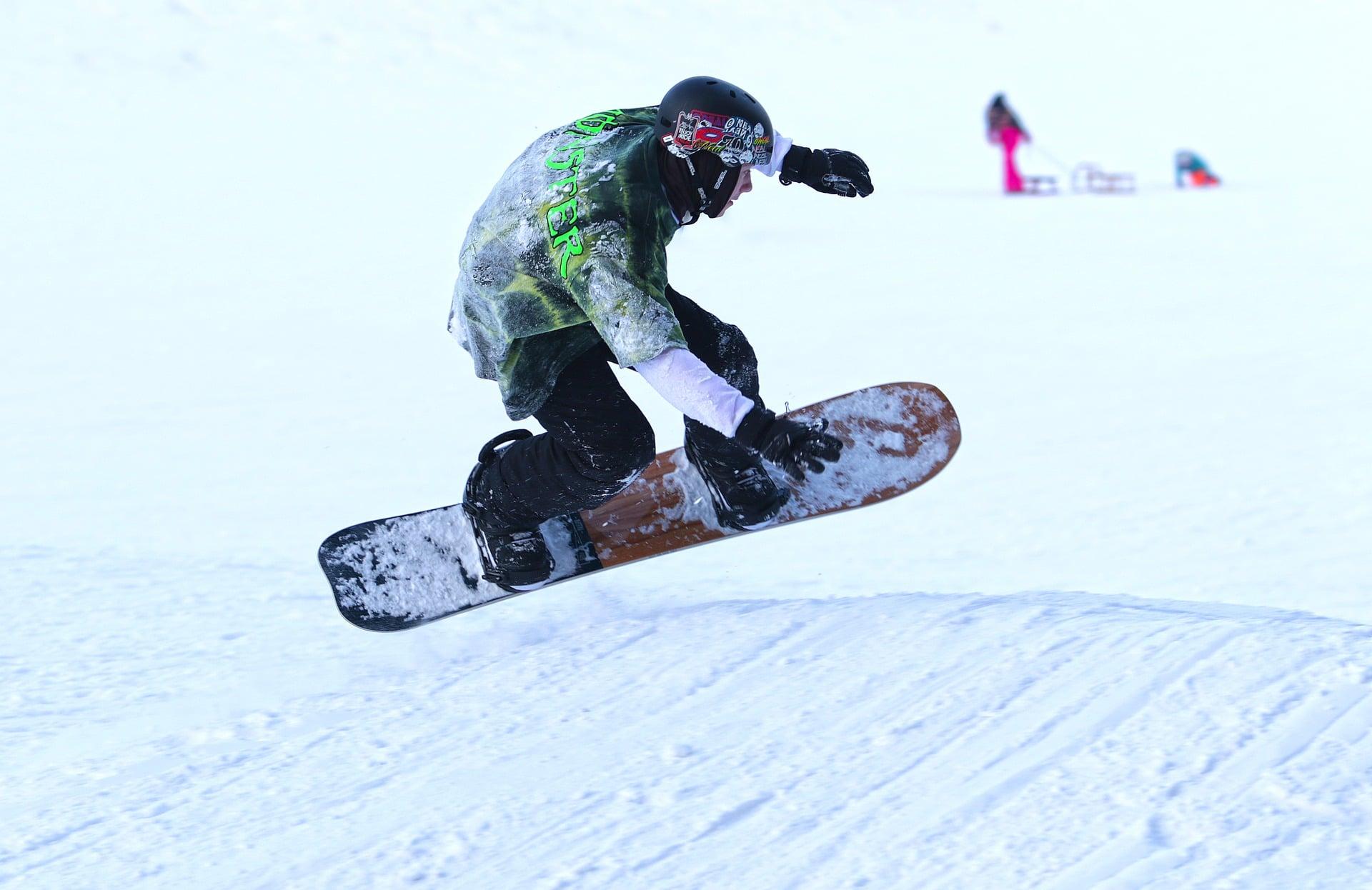 snowboarding snow pixabay