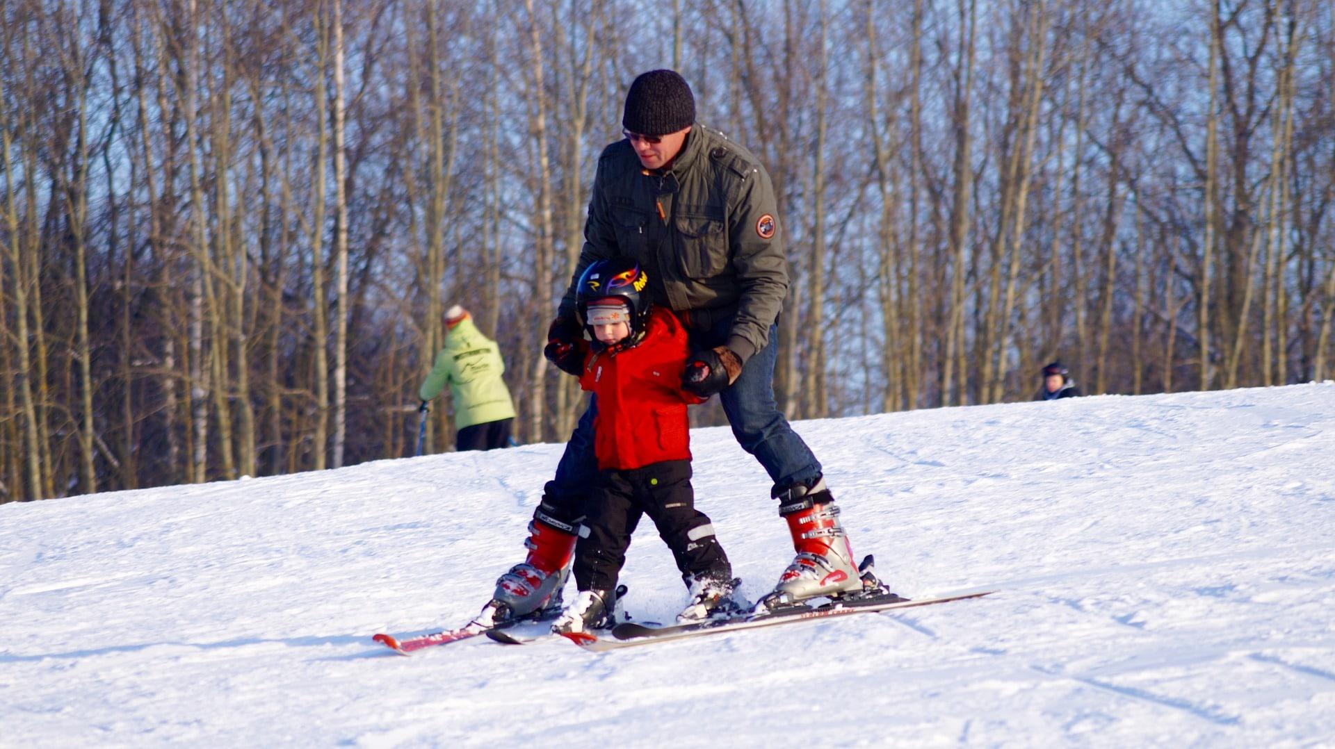 skiing kids children pixabay