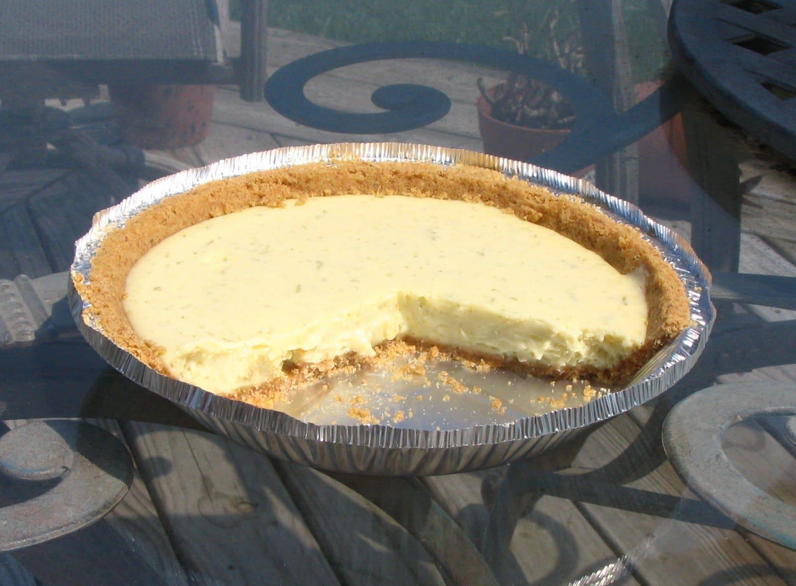 key lime pie food dessert
