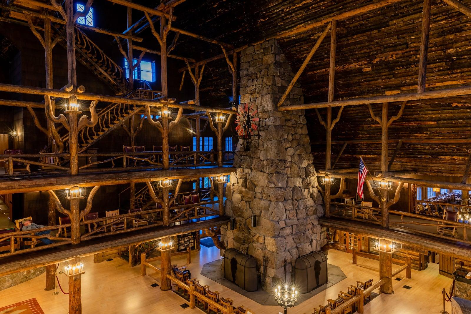 old faithful inn log structure